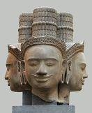 Quadruple tête de Brahma, sculptée au Cambodge (province de Siemreap, Phnom Bok) dans le style du Bakheng (fin ixe - début xe siècle)