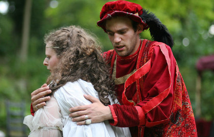 Théâtre-de-Verdure-du-Jardin-Shakespeare-Volpone---630x405---©-Paul-Montag_block_media_big