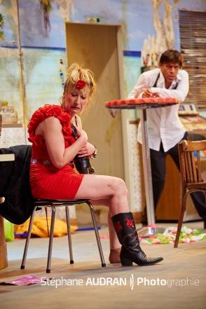 Nuit-d-ivresse-avec-Elisabeth-Buffet-et-Denis-Maréchal-au-Théâtre-Michel-Paris-pièce-de-Josiane-Balasko-mise-en-scène-Dominique-Guillo-photo-scène-Stéphane-Audran-photographie